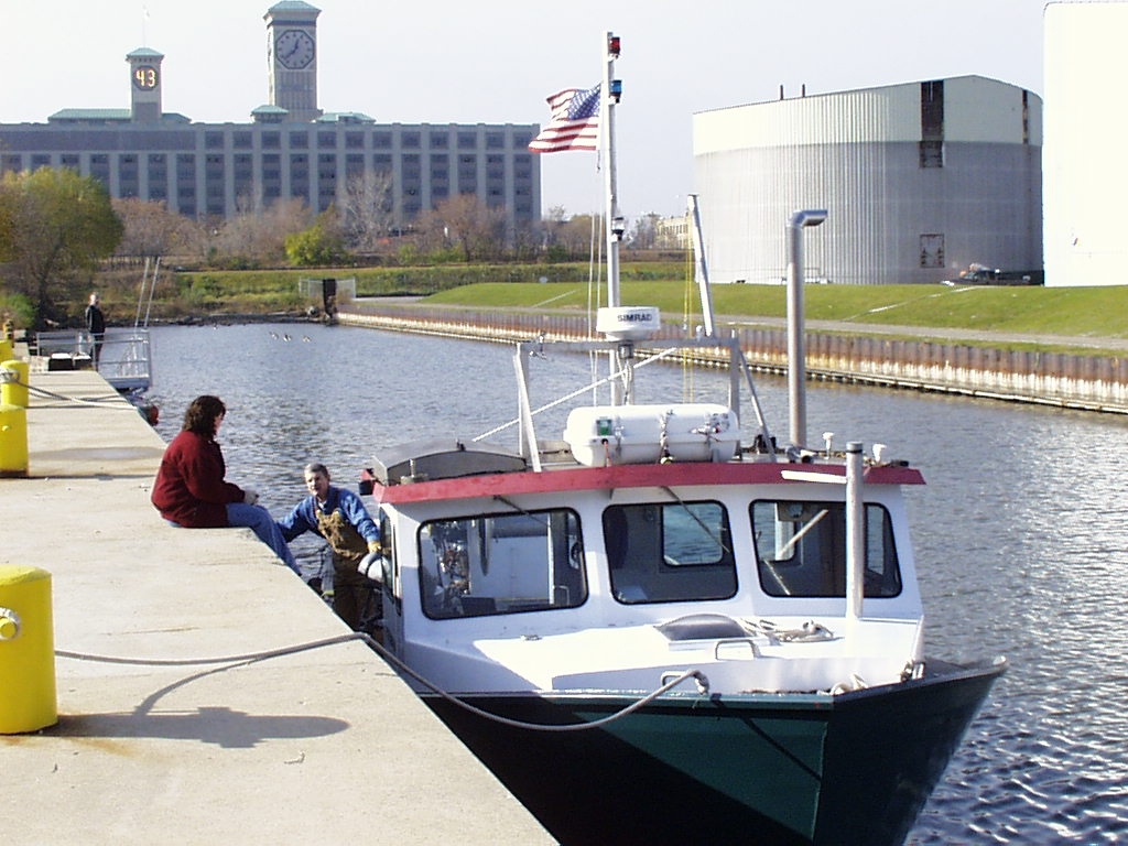 RV Gaylord Nelson at the dock in Milwaukee