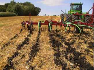 Low disturbance manure injection, Yahara Pride Farms